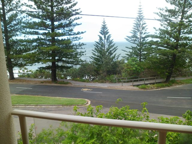 "Unit 2 ""Minya Court"" 12 Esplanade Headland, Kings Beach Q 4551"