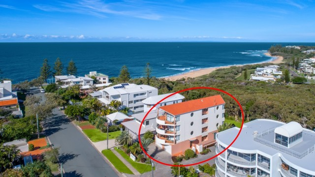"Unit 1 ""Quarterdeck""20 McIlwraith Street, Moffat Beach"