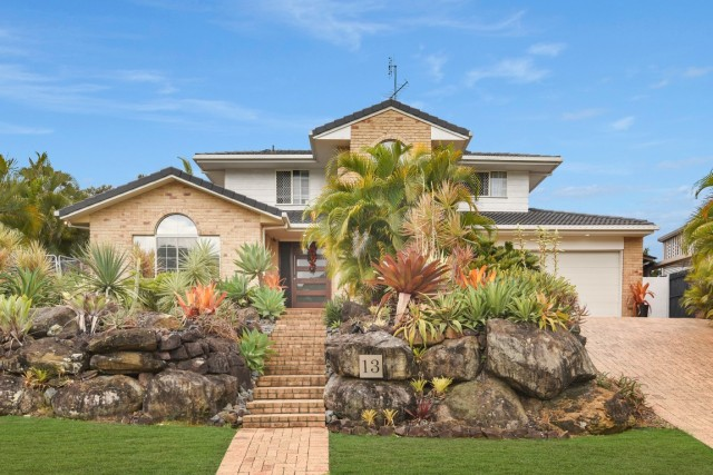 13 Stradbroke Drive, Little Mountain
